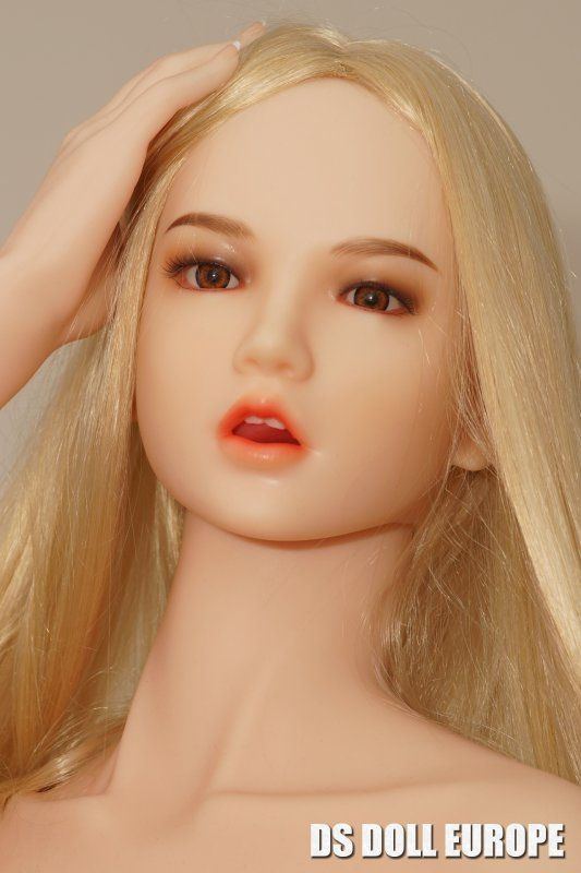 Doll Sweet Dai Kopf